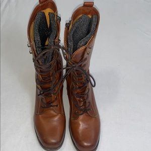 Frye leather lace up brown boots for woman